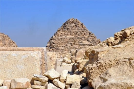 Private excursion: Giza Pyramids and Sakkara day trip from Sokhna