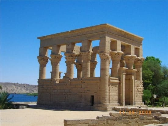 Nile Felucca Cruise: 2 Days 1 Night from Aswan with private Egyptologist guide
